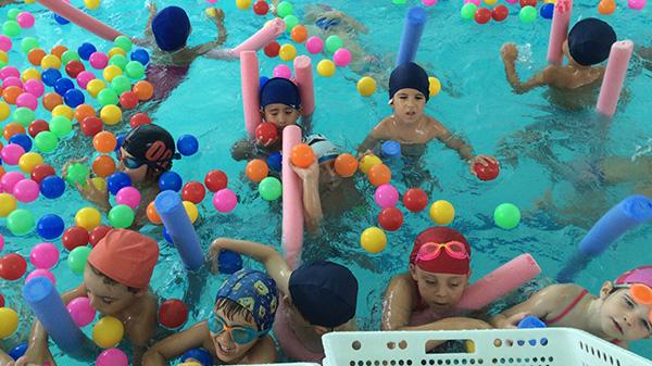 campus-estiu-2015-piscina